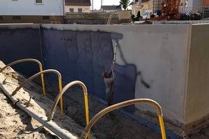 Durch das Arbeiten mit der Lanze kann auf den Einsatz von Leitern oder Gerüsten verzichtet werden