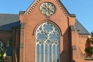 Auf der 130 Jahre alten St.-Petri-Kirche in Dresden hatte sich eine Patina aus Ruß, Öl und Schmutz gebildet