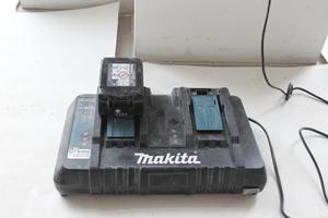 Mit einem zweiten Akku im Ladegerät ist dauerhaft ein unterbrechungsfreies Arbeiten möglich
