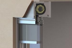 """Aufsatzkästen werden mit dem Fenster in die Maueröffnung gesetzt und integrieren sich unsichtbar in die Fassade. Der """"AK-Flex"""" erreicht sehr gute Wärmedämmwerte"""