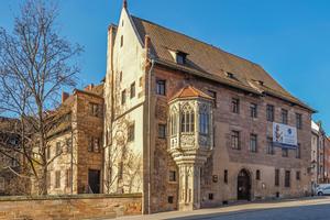 """Der in Teilen aus dem 13. Jahrhundert stammende Nürnberger Pfarrhof St. Sebald ist ein herausragendes Denkmal, das zum nationalen Erbe zählt<span class=""""bildnachweis"""">Fotos: Oliver Heinel</span>"""