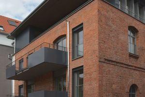 Nach dem Umbau steht den Nutzern nun auch in der ehemaligen Malztenne ein komplett saniertes Gebäude mit Balkonen zur Verfügung<br />Fotos: KEG Projektentwicklung