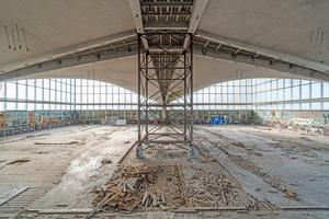 """Blick in die Halle vor Beginn der Sanierungsarbeiten<span class=""""bildnachweis"""">Foto: Marco Dziallas</span>"""