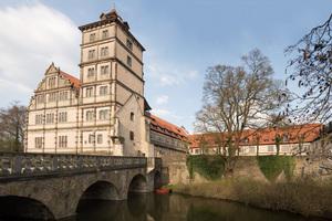 Schloss Brake in Lemgo wurde ab 1587 als Residenz der Grafen zur Lippe im Stil der Renaissance ausgebaut