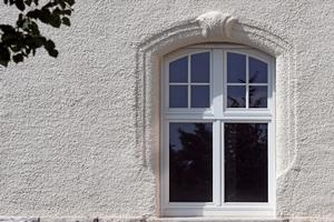 Holzdenkmalfenster mit Sprossen von Kneer-Südfenster kommen der ursprünglichen Fenstereinteilung sehr nahe