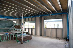 Beplankt werden die CW-Profile der Fassaden außenseitig mit Faserzementplatten