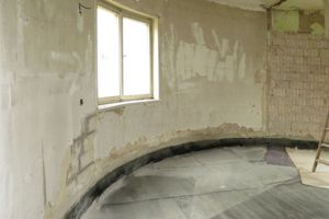 Grundlage für die wieder verlegten Solnhofer Platten ist ein neuer Fußbodenaufbau im ErdgeschossFotos: Florian Höll / Müller-Stüler und Höll