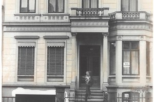 Die historische Fassade um 1880