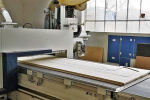 Die Holzlamellen fräste die Georg SchrepferGmbH mit einer CNC-Maschine aus Fichte-Leimholzplatten