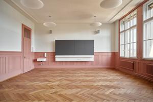 Blick in eines der wieder hergestellten Klassenzimmer