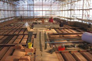 Bei der neuen Decke des bestehenden ersten Obergeschosses handelt es sich um eine Ziegeleinhängedecke