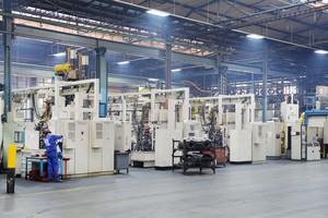 Ein Anspruch auf Förderung für eine Umrüstung auf LED können Unternehmen stellen, die zum Beispiel eine große Lagerhalle neu beleuchten wollen.