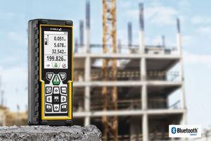 Der Laser-Entfernungsmesser LD 520 hilft, Materialkosten und Arbeitsaufwand schnell und effizient zu kalkulieren. Ausgelegt ist er für Messungen bis 200 m.<br />