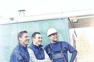 Bardusch bietet Berufs- und Schutzkleidung für Maurer, Maler, Fliesenleger und weitere Baugewerke in verschiedenen Qualitäts- und Preisstufen im Mietservice an