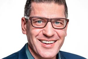 """Udo Herrmann, Schreinermeister mit viel Berufserfahrung und Erfolgstrainer für Handwerksbetriebe, spricht über """"Als Nachfolger im Handwerksbetrieb planvoll durchstarten""""."""