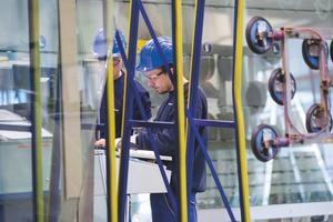 In der Flachglasbranche gibt es spannende Ausbildungsmöglichkeiten.