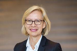Anette Wahl-Wachendorf, Ärztliche Direktorin des Arbeitsmedizinischen Dienstes der BG Bau, warnt vor UV-Strahlung.