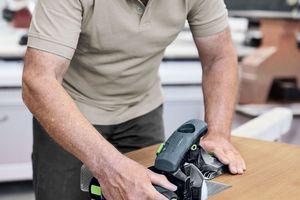 Der Kantenschleifer kommt sowohl beim Massivholzschliff als auch beim Lack-/Füller- und Zwischenschliff zum Einsatz