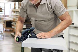 Der Kantenschleifer ist für alle Kanten-Nachbearbeitungen und das Verputzen von Kanten jeglichen Materials oder Beschichtung geeignet