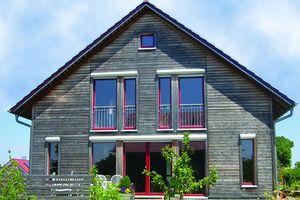 Holzfassaden benötigen einen besonderen Schutz, da sie durch Witterung besonders belastet werden