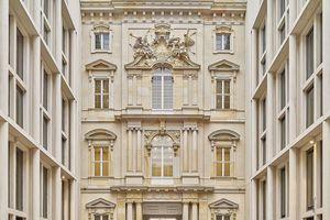 Die Rekonstruktion – inklusive ihrer 386 außergewöhnlich großen Kasten- und Verbundfenster – lag voll im Zeitplan