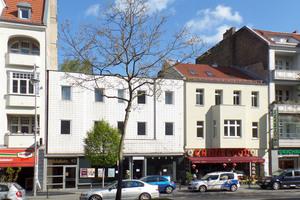 An der Schlossstraße 92 stand in Berlin zuvor ein dreigeschossiges Gebäude aus den 1970er Jahren