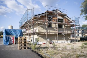 Unfreiwilliger Stopp: Auf vielen Baustellen geht das Material aus.