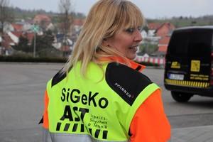 Klar erkennbar: Christine Musati, Sicherheits- und Gesundheitskoordinatorin bei der AST GmbH, entgeht nichts.