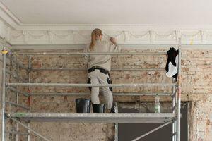 Historische Details, wie dieser Deckenfries, wurden im Rothschild-Palais restauriert und stellenweise behutsam ergänzt