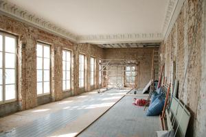 Postmoderne Einbauten aus den 1980er-Jahren wurden ebenso wie ein Teil des alten Innenputzes im Rothschild-Palais entfernt