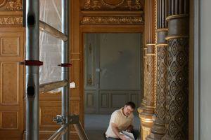 Die historischen Wandvertäfelungen im Rothschild-Palais wurden behutsam restauriert