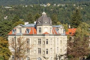 Die denkmalgeschützte Zinsvilla an der Claudiastraße ist ein eindrucksvolles Beispiel einer Gründerzeitvilla im Innsbrucker Stadtteil Saggen