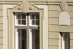 Nach der Renovierung kommt die aufwendig gestaltete Fassade wunderschön zur Geltung