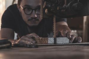 Die Fotos sollen die Leidenschaft und Freude für den Beruf des Handwerkers zeigen. Wichtig ist der Bezug zur eigenen Arbeit.