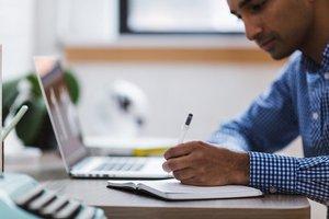 Handwerker sollen sich auf ihre Kernkompetenz konzentrieren und Büro-Arbeiten per Dokumentenmanagement vereinfachen.