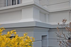 """Nach der Sanierung mit """"Herboxan Plus"""", der Klimamembran für mineralische Untergründe, hat die Fassade wieder ihr Aussehen zurück"""