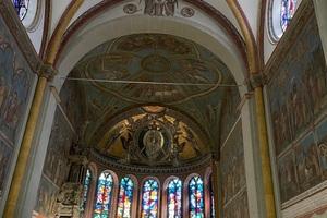Hier wird die Brisanz der Arbeiten deutlich: Oberhalb dieser und weiterer Gewölbe des Münsters wurde gearbeitet.