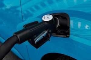 In diesem Jahr kommen die ersten serienmäßigen Transporter auf den Markt, die ihre Antriebsenergie aus Wasserstoff-Brennstoffzellen gewinnen