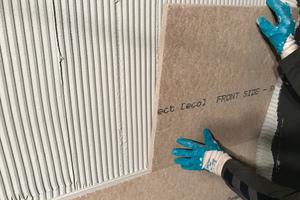 """Als Schutz vor Schimmel wurden die Dämmplatten """"Power Protect P 25 / P 40 (eco)"""" auf die Wand geklebt"""