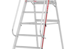 Die Plattformleiter 8081 eignet sich ideal für Einsatzbereiche, die ein dichtes Heranfahren an Regale erfordern.