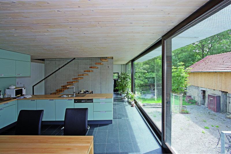 blackbox einfamilienhaus mit schieferverkleidung in. Black Bedroom Furniture Sets. Home Design Ideas
