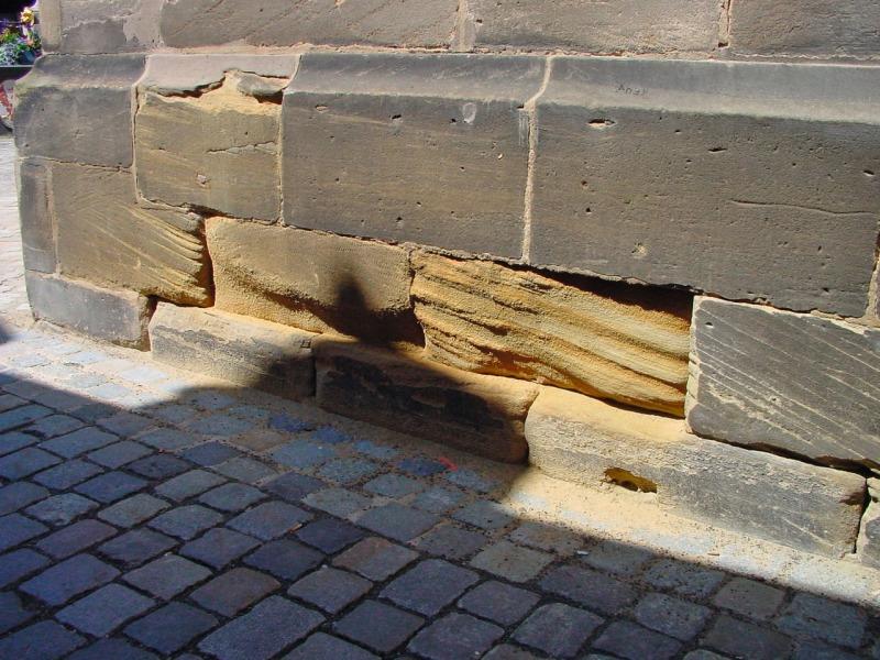 Salpeter im mauerwerk was tun latest in auenmauern with - Salpeter wand verputzen ...