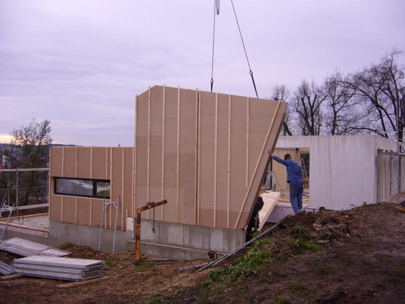 Modernes holzhaus am hang  Modernes Holzhaus am Hang - Bauhandwerk