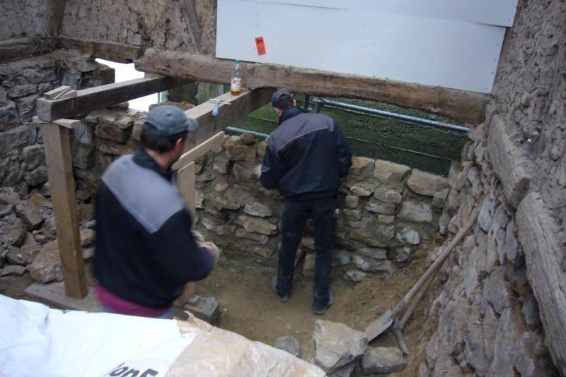 Bruchsteinwand Sanieren der scheune zum atelier bauhandwerk