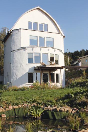 Attractive Das Wohngesunde Haus Besteht Vorwiegend Aus Nachwachsenden Baumaterialien.  Auch Die Ausrichtung Wurde Von Den Planern
