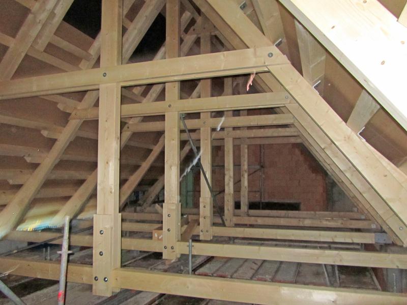 Pf lzer dachlandschaften sanierung der d cher eines for Fachwerkhaus statik