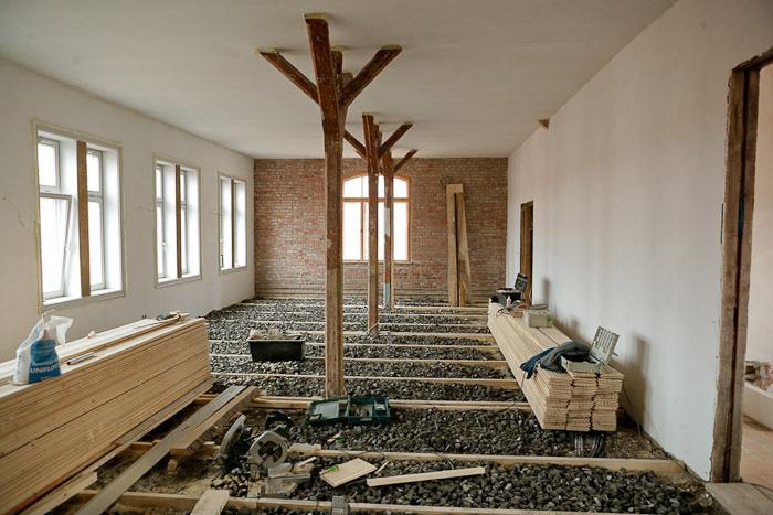 Traditionell Sanierung Eines 430 Jahre Alten Fachwerkhauses In