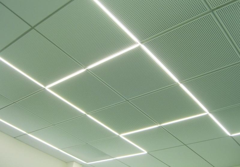 Akustikdecke Mit Eingebautem Licht Bauhandwerk