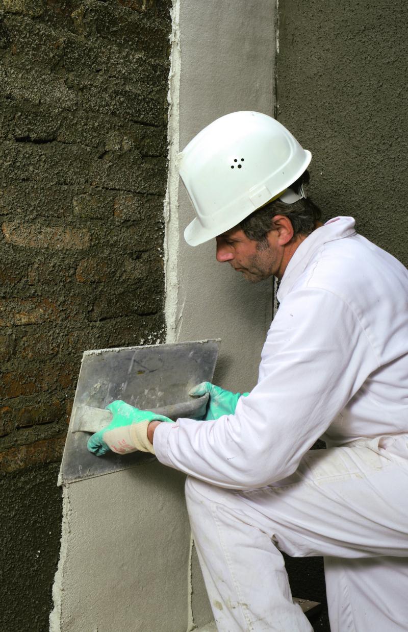 sanierputzsysteme wie man mit sanierputz feuchtes und versalztes