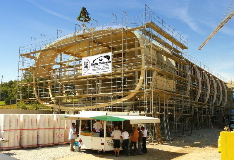Moderner holzbau innen  Tradition mit Moderne verbinden Zu Besuch bei Holzbau Vorderwisch ...